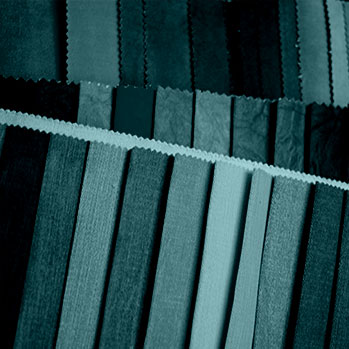 Textilien in Schwarz-Weiß